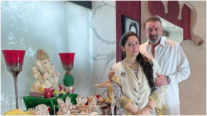 Sanjay Dutt poses with wife Maanayata on Ganesh Chaturthi: 'Wish this festival removes all obstacles