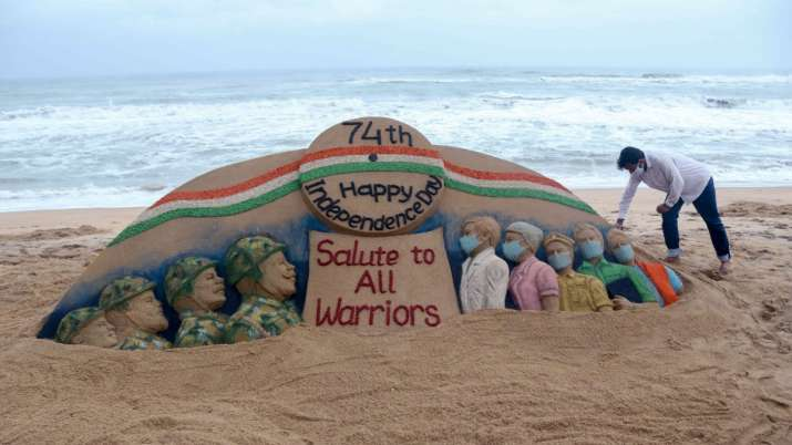 India Tv - Sand artist Sudarsan Pattnaik creates a sand sculpture with message