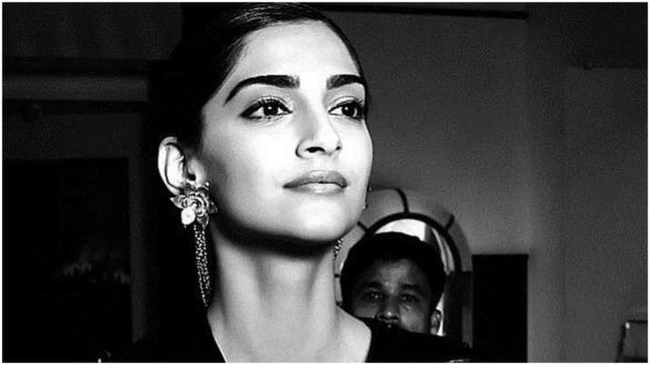 Sonam Kapoor reveals her state of mind in hilarious video, watch