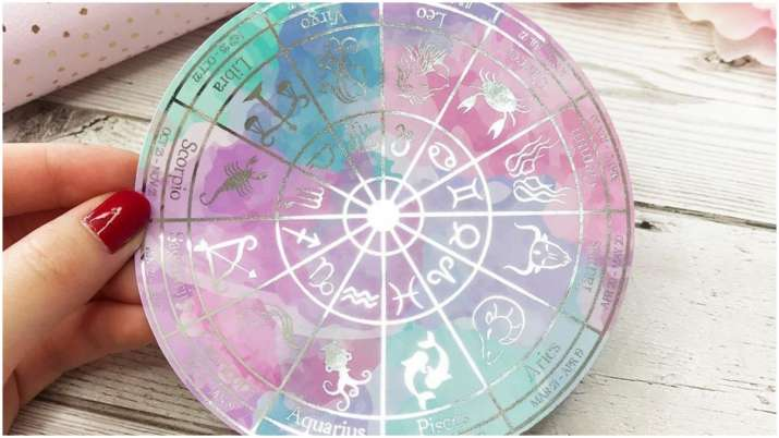 Today Horoscope August 4 (Bhavishyavani): Here's your daily astrology prediction for Cancer, Leo and
