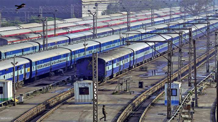 South Eastern Railway to regulate trains on total lockdown days in West Bengal