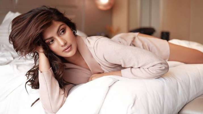 Man whose number is similar to Rhea Chakraborty gets abusive calls
