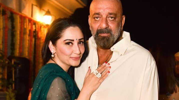 Sanjay Dutt to fly to US with Maanayata & Priya Dutt