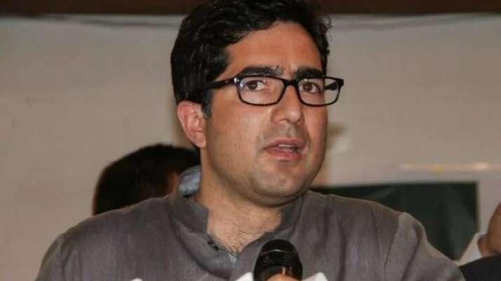 IAS officer-turned politician Shah Faesal steps down as JKPM president
