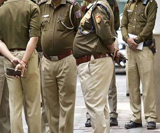 UP: Shahjahanpur SHO suspended for sexually harassing woman