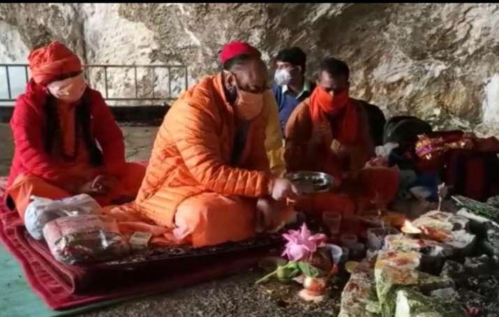 Amarnath Yatra 2020 concludes after final pooja by Mahant Deependra on Shravan Purnima