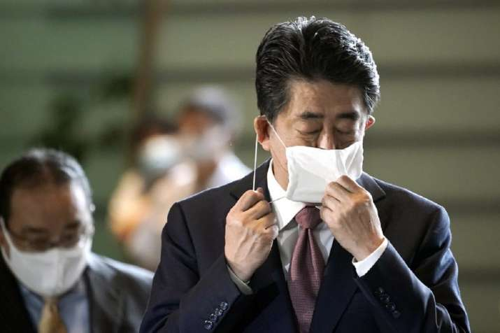 Shinzo Abe resigns
