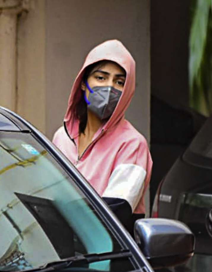 Sushant Death Case: After 8-hour grilling, Rhea Chakraborty spared arrest by NCB