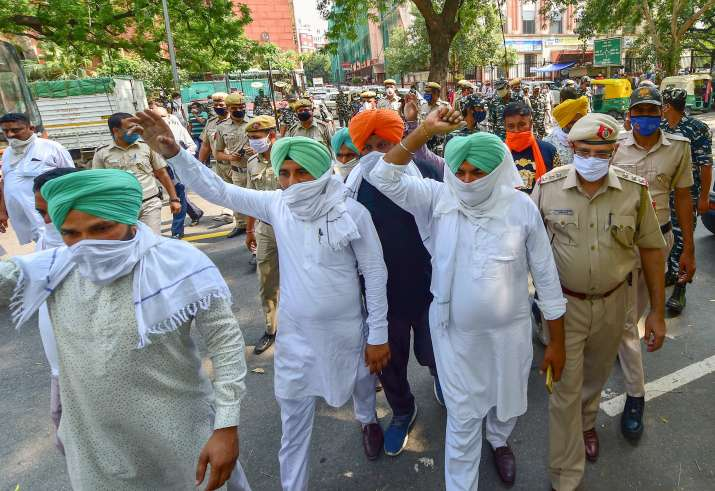 Lok Sabha clears two agricultural sector Bills amid protests by SAD, Opposition