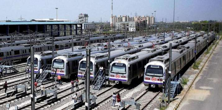 Nearly 2.5 lakh commuters take Delhi Metro till 7.30 pm on Monday