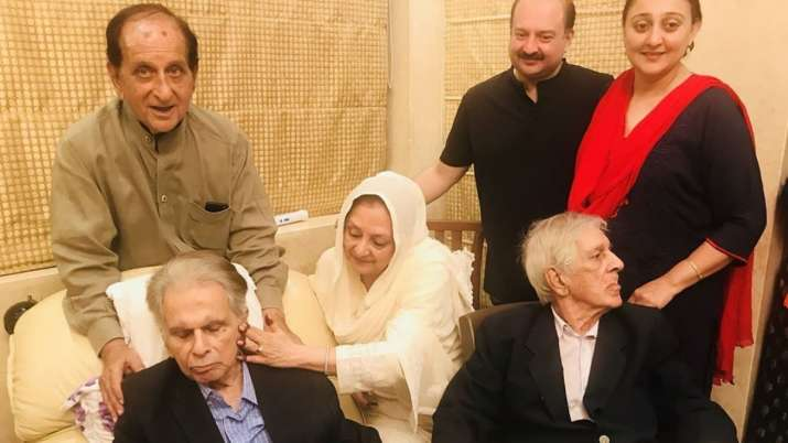 Dilip Kumar and Sair Banu with their family