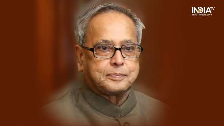 Pranab Da: Too smart for Congress to be PM