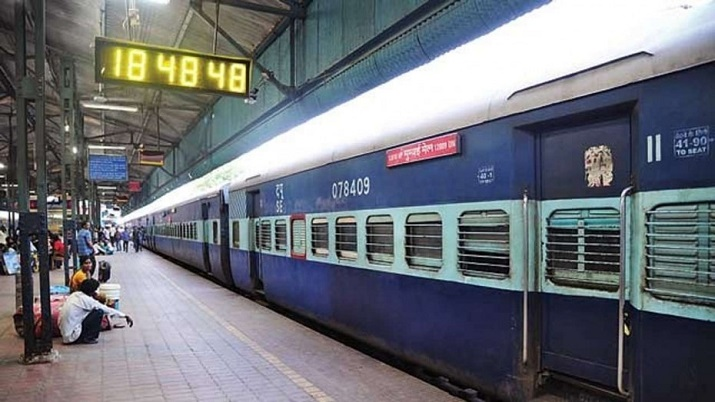 Indian Railways allows sale of cooked food at catering, vending units on platforms as takeaway