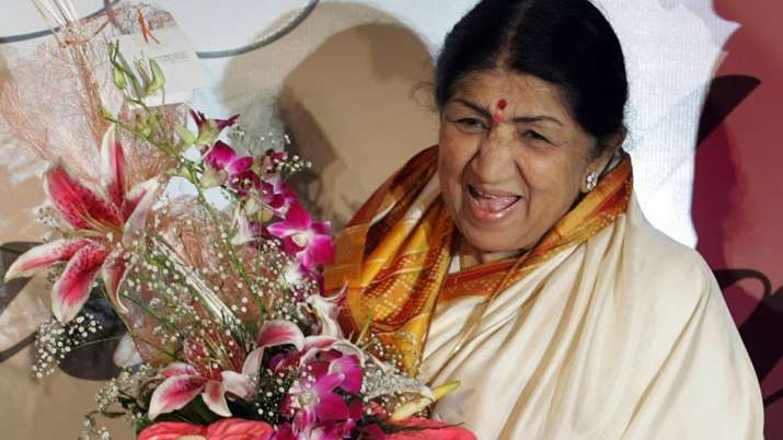 Best romantic songs of the legendary singer Lata Mangeshkar that tug at our heartstrings