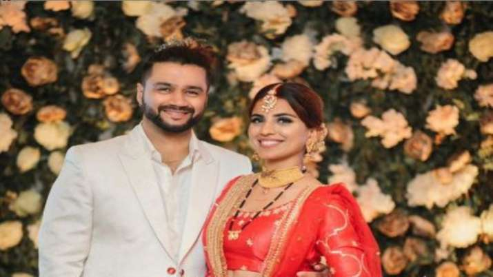 Khatron Ke Khiladi contestant Balraj Syal gets married to singer Deepti Tuli. See pics