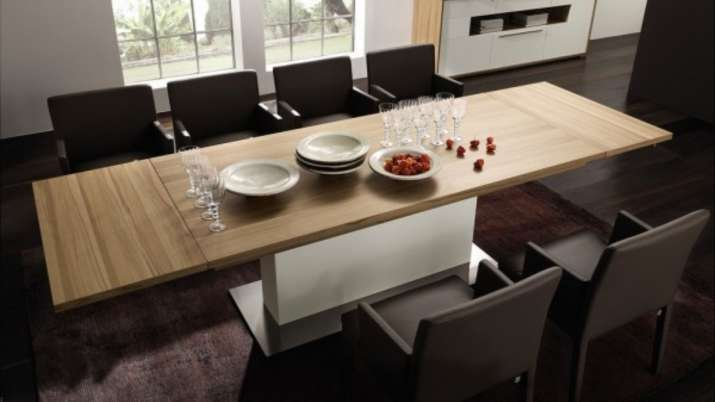 Vastu Tips: It is auspicious to place dining table in South-East direction. Here's why