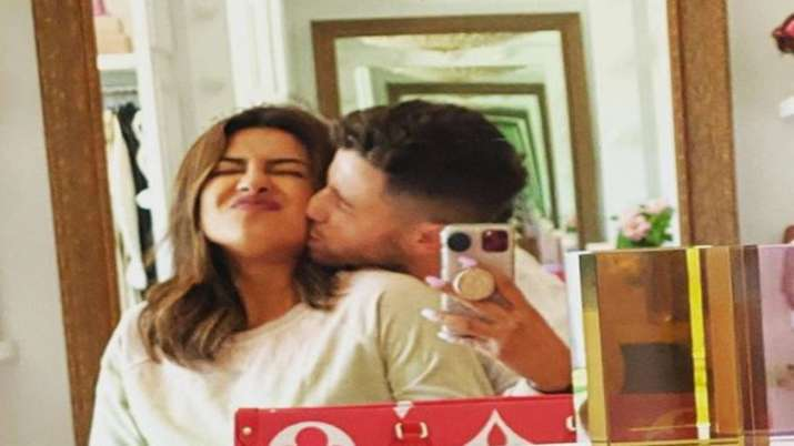 Nick Jonas feels lucky to have Priyanka in his life, shares throwback pic