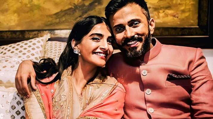 Troll refers Sonam Kapoor's husband Anand Ahuja as 'the ugliest,' actress lashes out