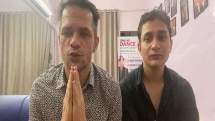 Sushant Singh Rajput's friends Ganesh Hiwaker, Ankit to go on hunger strike from Oct 2 demanding jus