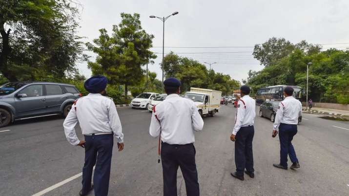 karnataka driving without helmets