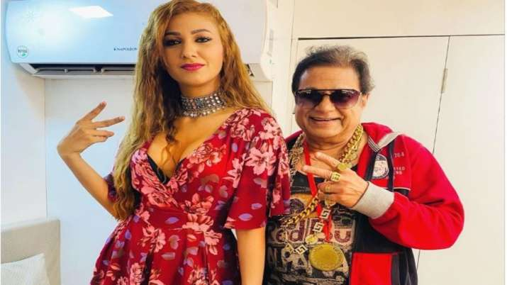 Ex-Bigg Boss contestants Anup Jalota and Jasleen Matharu to feature in rap song