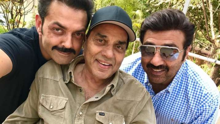 Dharmendra to feature with his boys Sunny and Bobby Deol in Apne 2; shooting begins in March 2021