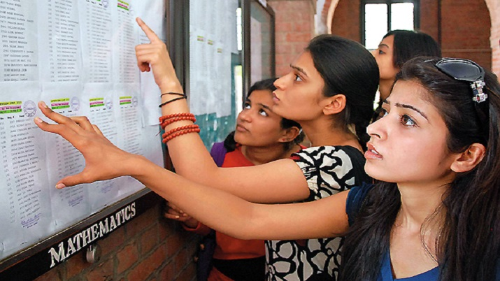 DU admission: Over 4,800 students apply on first day under third cut-off list