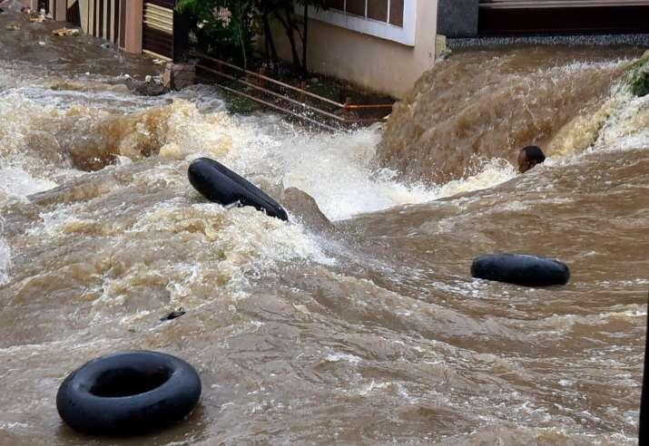Mumbai, Bengaluru, Vishakhapatnam, Jaipur, Amritsar, Kolkata, Kozhikode, water risk, wwf,