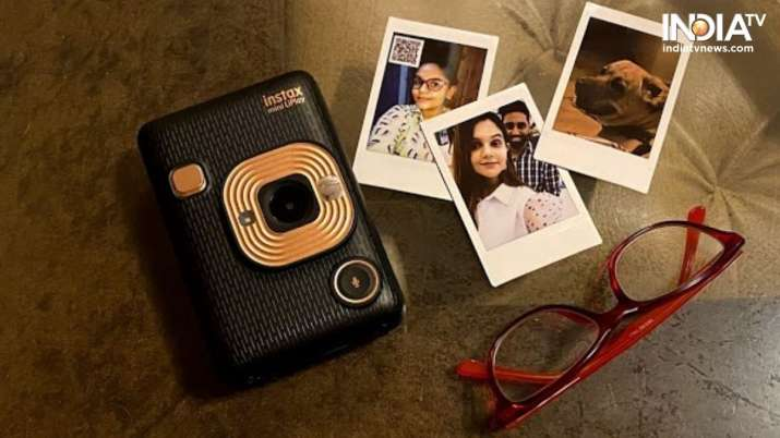 Fujifilm Instax Mini LiPlay Review: It takes you to the days of 'photographs'