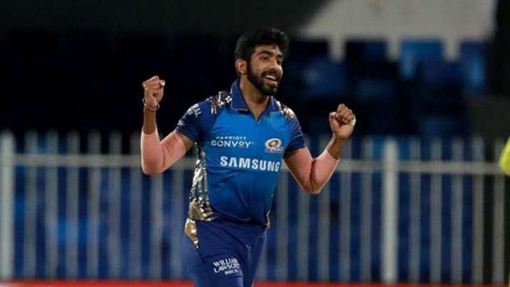 Jasprit Bumrah reaches milestone of 100 IPL wickets with Virat Kohli's  dismissal, becomes third youngest | Cricket News – India TV