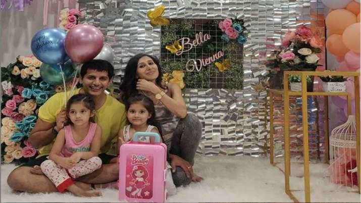 Bigg Boss 12's Karanvir Bohra celebrates twin daughters' birthday with family. See Pics