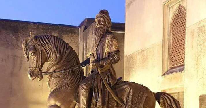 Jewels from Maharaja Ranjit Singh's treasury auctioned in UK