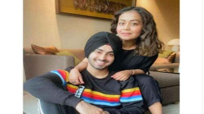 Neha Kakkar makes her relationship with Rohanpreet OFFICIAL, shares photo calling him 'mine'