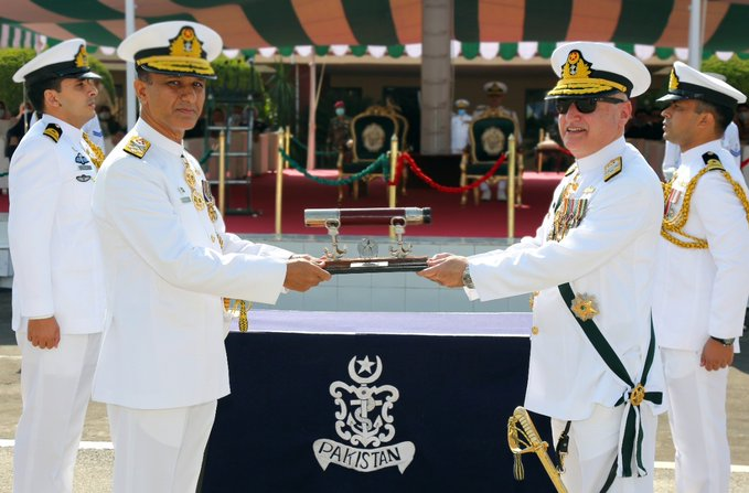 Admiral Amjad Khan Niazi takes over as new Pakistan Navy chief