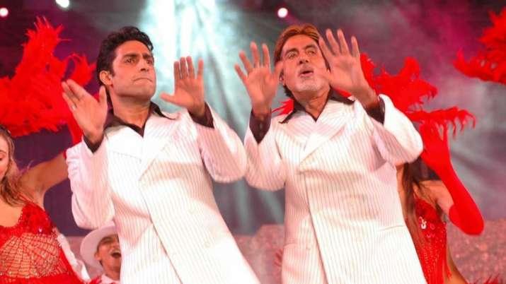 Abhishek Bachchan squashes rumours of Amitabh Bachchan being hospitalised