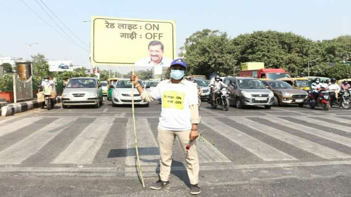'Red Light On, Gaadi Off': Delhi govt launches campaign to curb air pollution