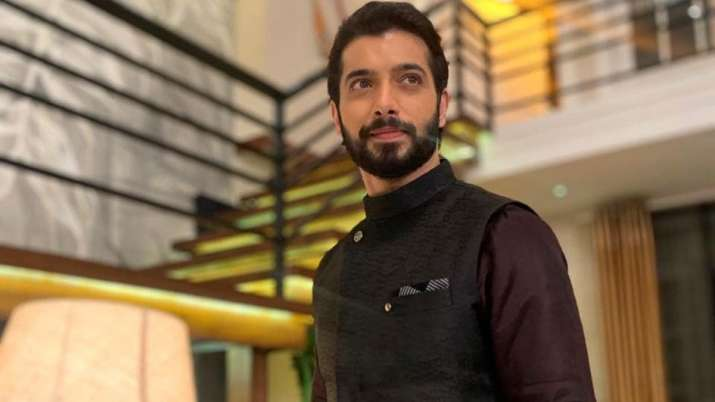 Covid tests for 'Naagin 5' stars after co-actor Sharad Malhotra tests positive