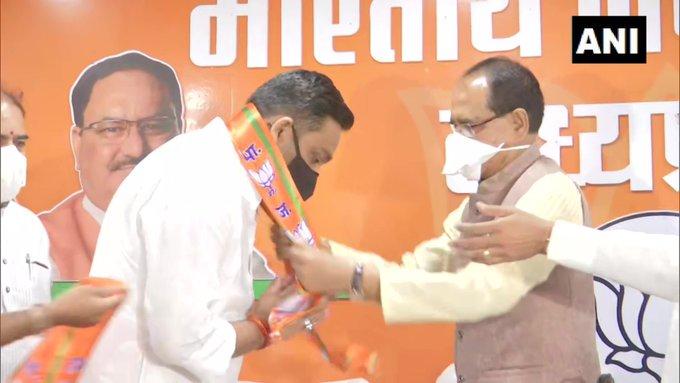 madhya pradesh bypolls, blow to congress, MLA Rahul Lodhi joins BJP, COngress rahul lodhi,