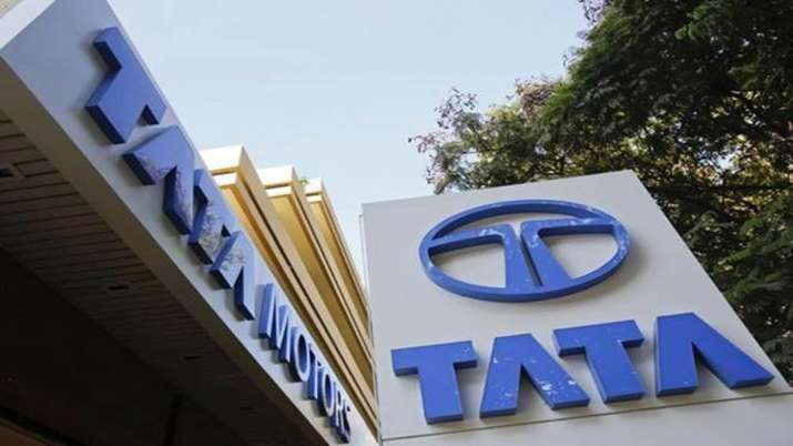 Tata Motors ties up with HDFC Bank for financing of