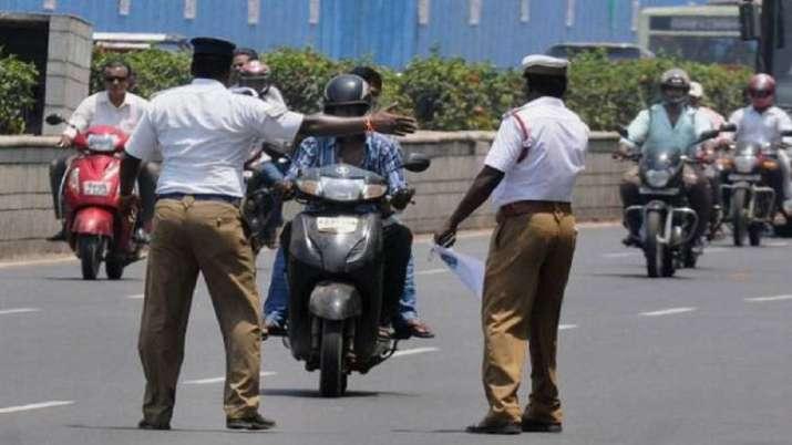 Woman, traffic police, Mumbai
