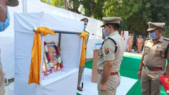 India Tv - IPS officer Kalanidhi Naithani pays tribute to Bapu