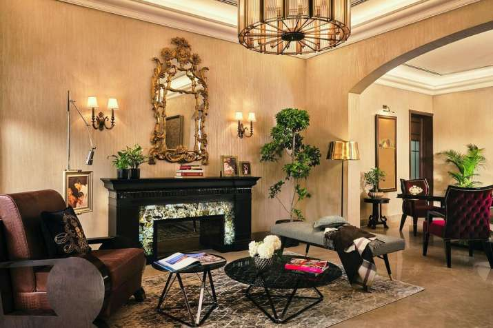 India Tv - Inside Shah Rukh Khan's Delhi home