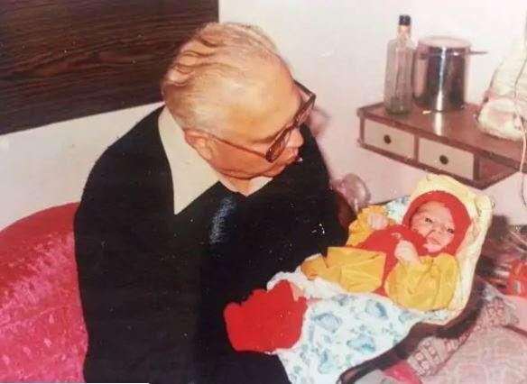 India Tv - Kartik Aaryan's adorable childhood photos on his 30th birthday