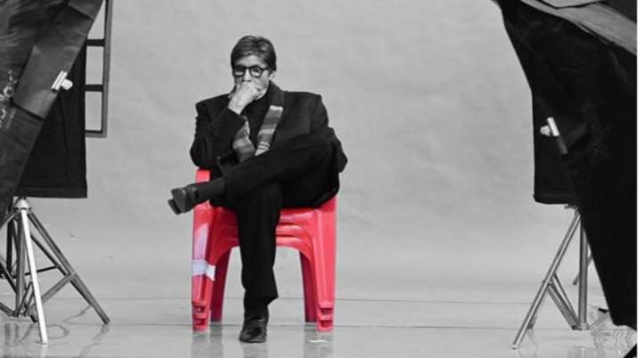Feel small in front of new breed, says Amitabh Bachchan