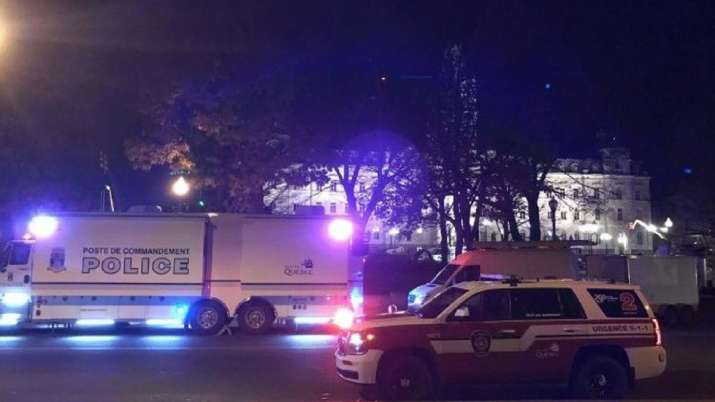 Canada: Man in 'medieval costume' goes on stabbing spree in Quebec city, kills 2