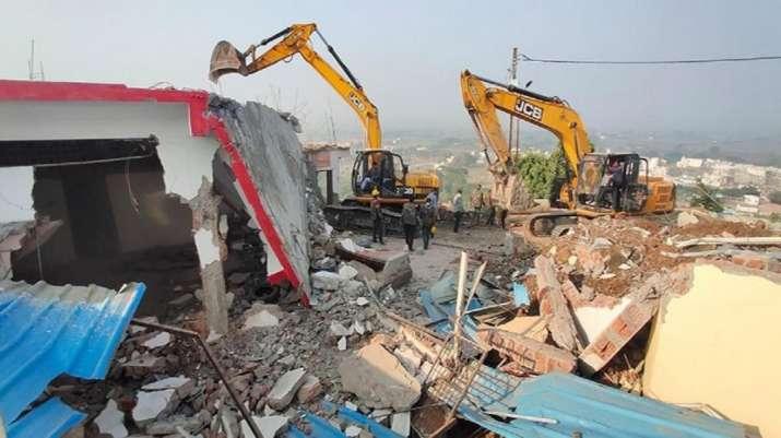 MP: Computer Baba's ashram demolished in Indore, seer among 6 detained