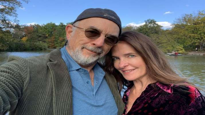 Actor couple Richard Schiff, Sheila Kelly test positive for COVID-19