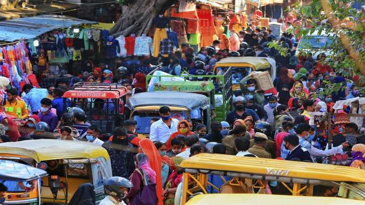 Crowd at Chandpole Bazar amid rise in the Covid-19 cases,