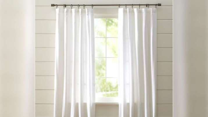 Vastu Tips: Put white colored curtains in the north-west direction of the house