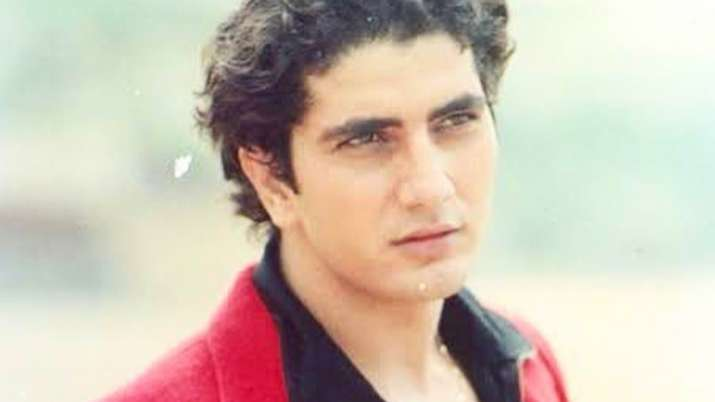 Mehndi actor Faraaz Khan dies